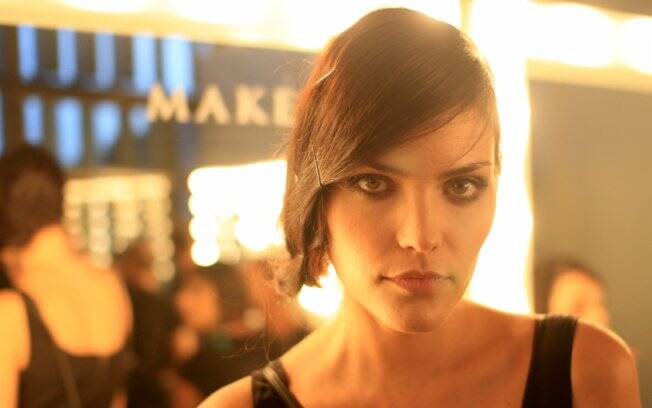 Luciana Curtis: 20 anos de carreira e 15 de São Paulo Fashion Week