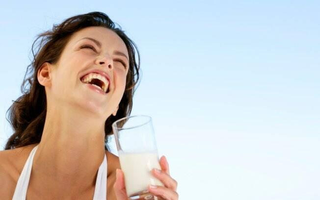 Estilo de vida saudável e alimentação rica em cálcio na juventude previnem osteoporose na maturidade
