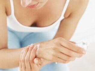 Reumatismo: a cada três mulheres, apenas um homem apresenta o problema