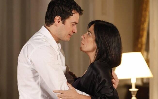 Apaixonada, Norma viverá ao lado de Léo como marido e mulher