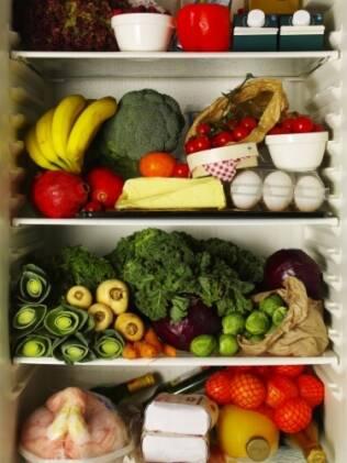 A geladeira não deve ficar lotada de alimentos para não prejudicar a refrigeração