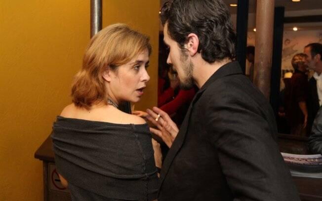 Paloma Duarte e Bruno Ferrari conversam após a estreia de