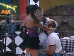 Provocações: Novamente, Wesley é alvo de Diana e Maria