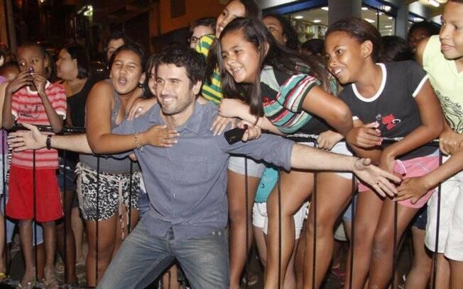 Eriberto Leão e a multidão que foi prestigiar o ator