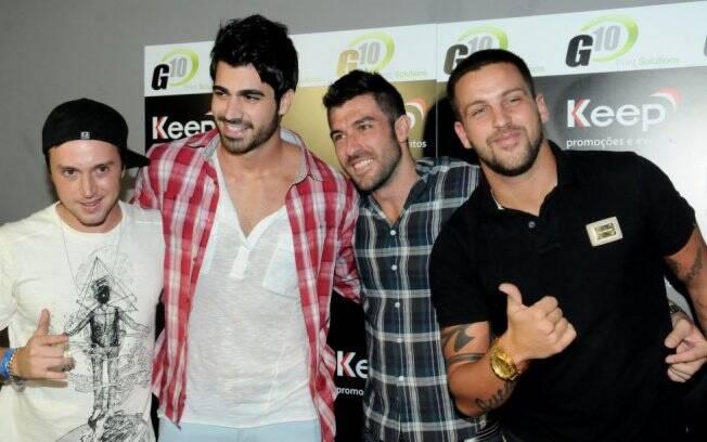 Ex-BBBs reunidos: Igor, Rodrigão, o aniversariante Cris, e Diogo