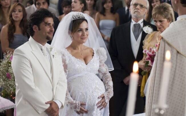 Berilo (Bruno Gagliasso) e a gravidíssima Jéssica (Gabriela Duarte) em