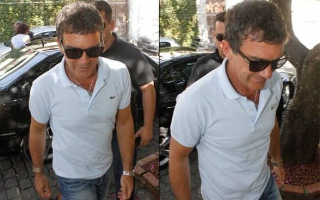 Antonio Banderas chega a restaurante no Rio de Janeiro