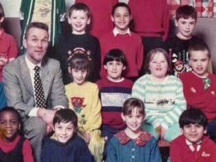 Fábio Cardelli na escola em Londres, o segundo depois do professor: aos sete anos, só sabia