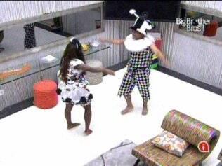 Daniel e Jaqueline finalizam a execução da coreografia