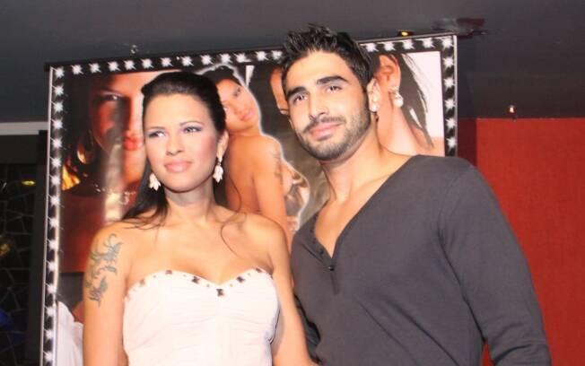 Ariadna com o namorado Pablo Meliga: