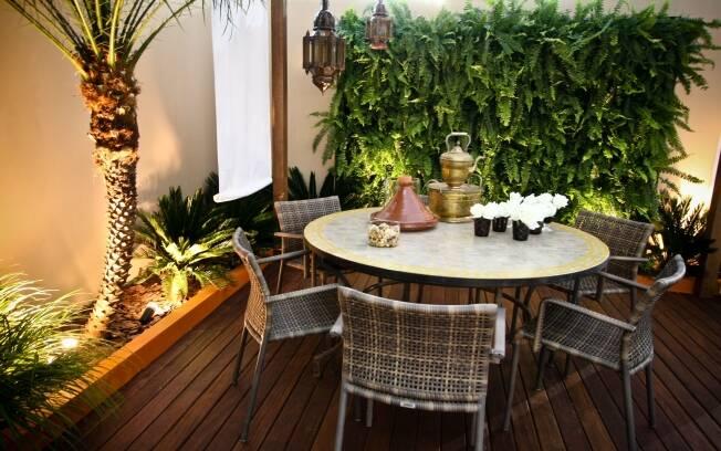 A mistura entre elementos de decoração marroquina e espécies tropicais marca o espaço dos irmãos Luiz Felipe e Luiz Gustavo Camargo Gomez xxxxxxxxxxxxxxxxxxxxxxxxxxxxxxxZ