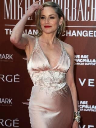A atriz Sharon Stone chegando ao Royal Albert Hall, em Londres