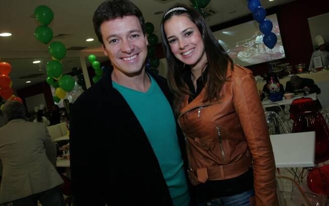 Rodrigo Faro e Vera Viel felizes com a casa dos sonhos: