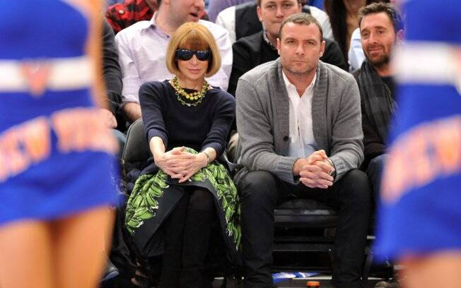 Anna Wintour torcendo no jogo Lakers contra Knicks