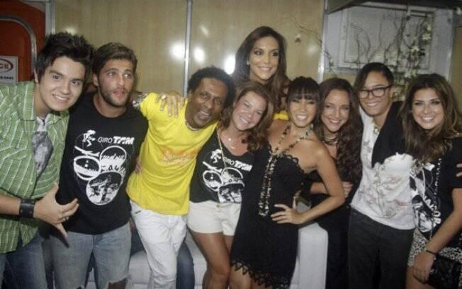 Fernanda Souza e outros famosos tietam Ivete Sangalo