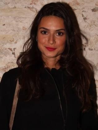 Thaila Ayala prefere não falar sobre episódio do cuspe de seu namorado Paulo Vilhena com o apresentador do CQC Rafael Cortez