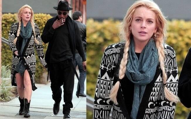 Antes do julgamento, Lindsay Lohan passeia com amigos