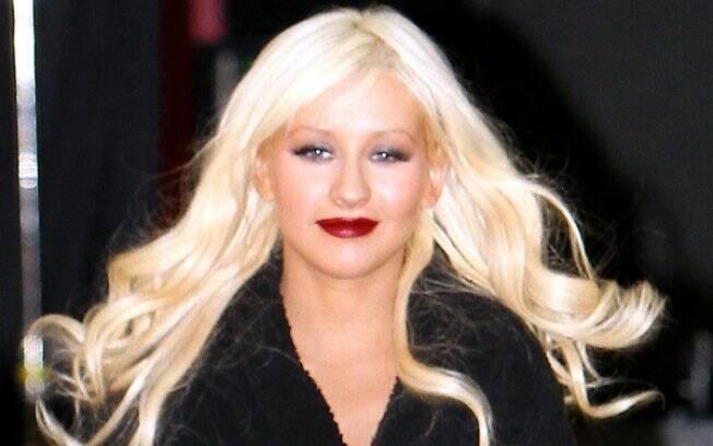 Christina Aguilera saindo Smashbox Studio na quinta-feira (03)