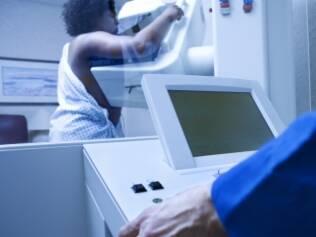 Uma das metas para reduzir o câncer de mama é começar o tratamento em até 60 dias após o diagnóstico feito pela mamografia