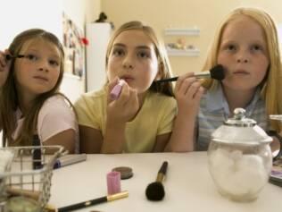 Puberdade precoce: papel dos pais é ajudar filhas a entender o que está acontecendo