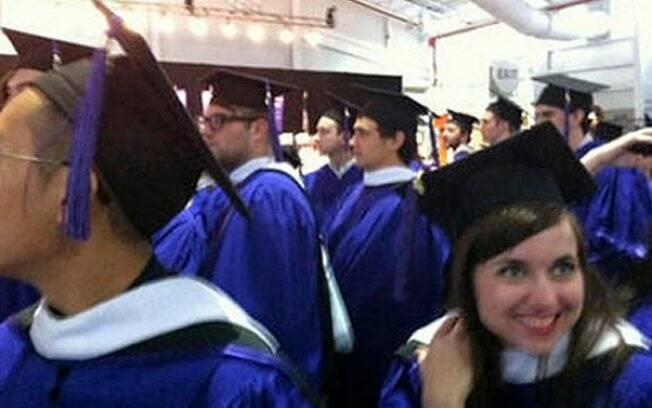 James Franco se forma na pós-graduação