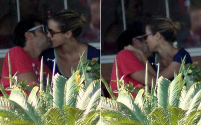 Bruno Mazzeo e Juliana Didone: primeiros beijos diante das câmeras