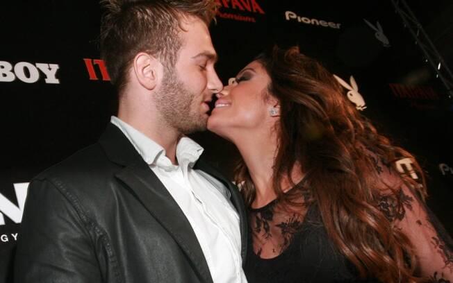 O beijo do casal Maria e Wesley