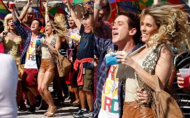 Roni e Natalie fazem a festa na parada gay