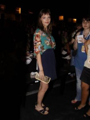 Malu Magalhães no desfile da Totem durante o Fashion Rio