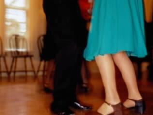 Antes de cair na pista de dança, é bom saber como anda o seu coração