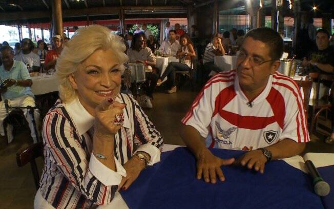Hebe Camargo e Zeca Pagodinho em gravação para o programa da RedeTV!