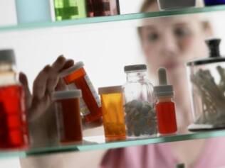 Fora do banheiro: umidade e calor podem afetar a eficácia das vitaminas