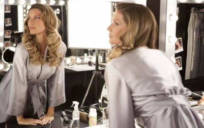 Gisele Bündchen posou para a nova campanha de cosméticos da Pantene