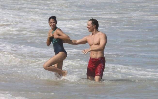 Matthew McConaughey e Camila Alves: amor no mar
