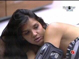 Talula não gostou da maneira como Adriana quebrou o porquinho de Maria, na Prova do Líder