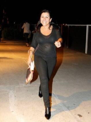 Regina Casé circulando pelo Fashion Rio na última semana