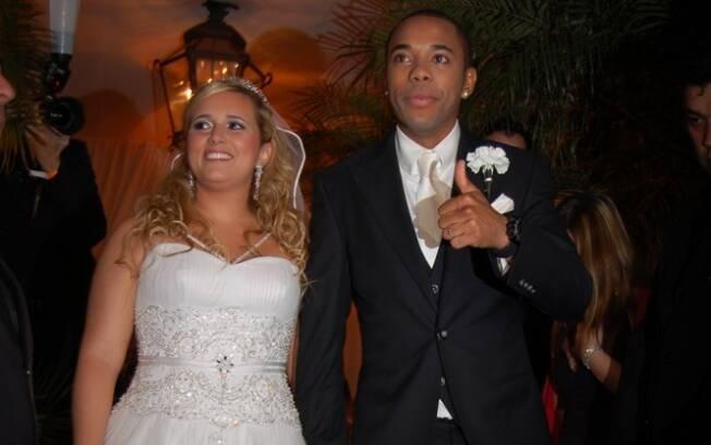 Robinho e Vivian se casaram em 2009, após 11 anos de namoro