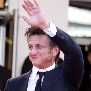 Sean Penn: saída à francesa da exibição