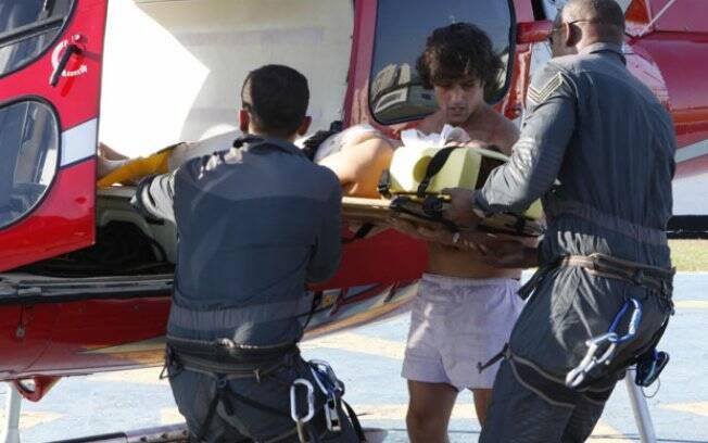 Desirée e Armandinho são resgatados em ilha