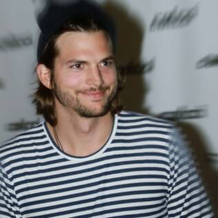 Ashton Kutcher: saudades do Brasil via Twitter