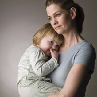 Por medo de ter seu desempenho como mãe julgado, mulheres mentem sobre a criação dos filhos