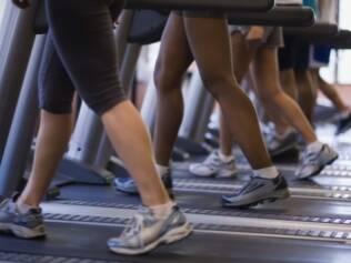 Análise mostra que meia hora de exercícios físicos por dia já reduz o risco de câncer de cólo de útero