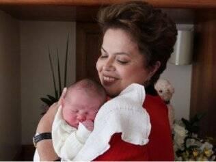 Dilma e o neto Gabriel, nascido na reta final da campanha: nome mais popular do ano passado