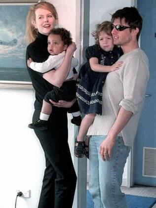 Tom Cruise e sua ex-mulher e atriz Nicole Kidman, com quem adotou 2 filhos: Connor e Isabella