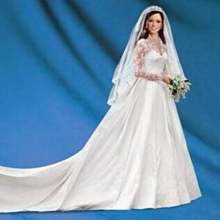 Kate Middleton: boneca versão noiva