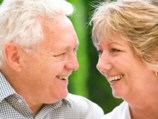 Cáries e problemas com a raiz dos dentes são mais comuns em pessoas da terceira idade