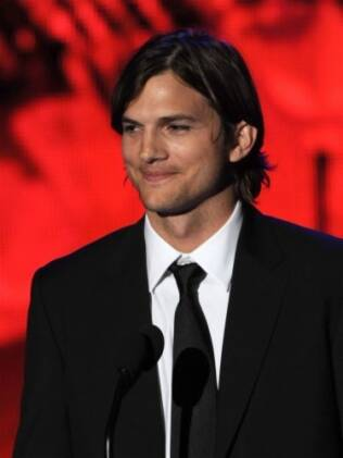 Ashton Kutcher: apaixonado por Demi Moore, Twitter e fã de Justin Bieber