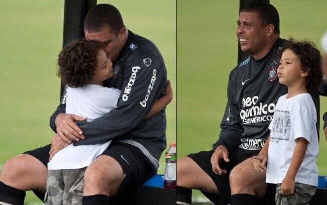 O jogador assumiu a paternidade de Alexander Umezu em dezembro de 2010, após teste de DNA.