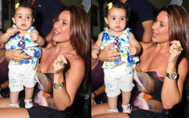 Scheila Carvalha dança com a filha, Giulia