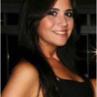 Livia Riboldi Silva, 23 anos, sabe que está magra mas diz que vai